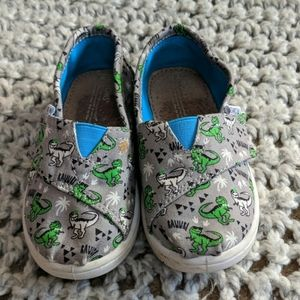Tom's canvas dino shoes